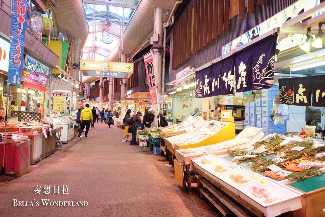 金澤美食 近江町市場的推薦美食地圖 螃蟹攤販.jpg
