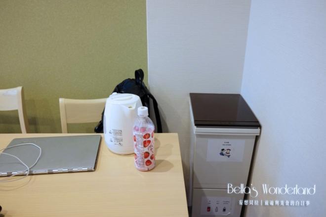 京都_鈴七條大橋_上下兩層的分類垃圾桶