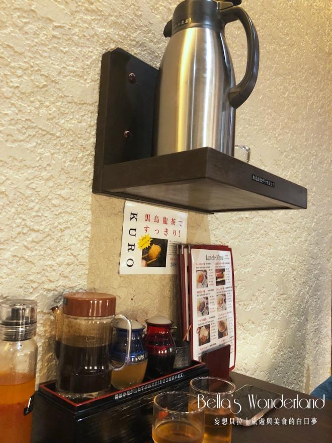 東京美食 銀座必吃超美味炸牛排 桌面擺設